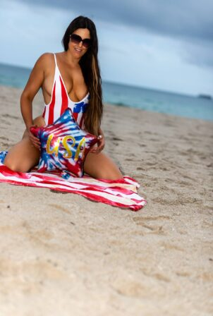 Claudia Romani - Celebrating 4th of July on South Beach