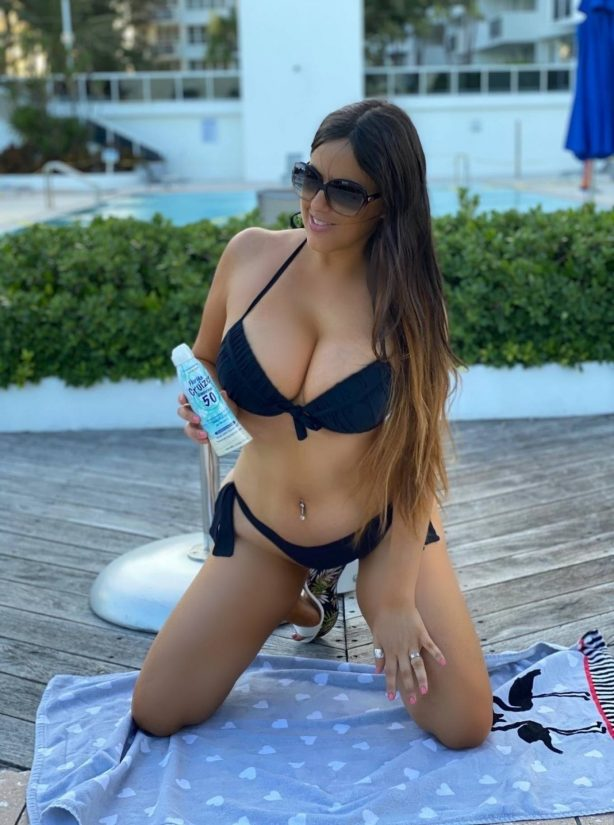 Claudia Romani in Bikini - Models for Italian boutique Cerbero Store in Miami