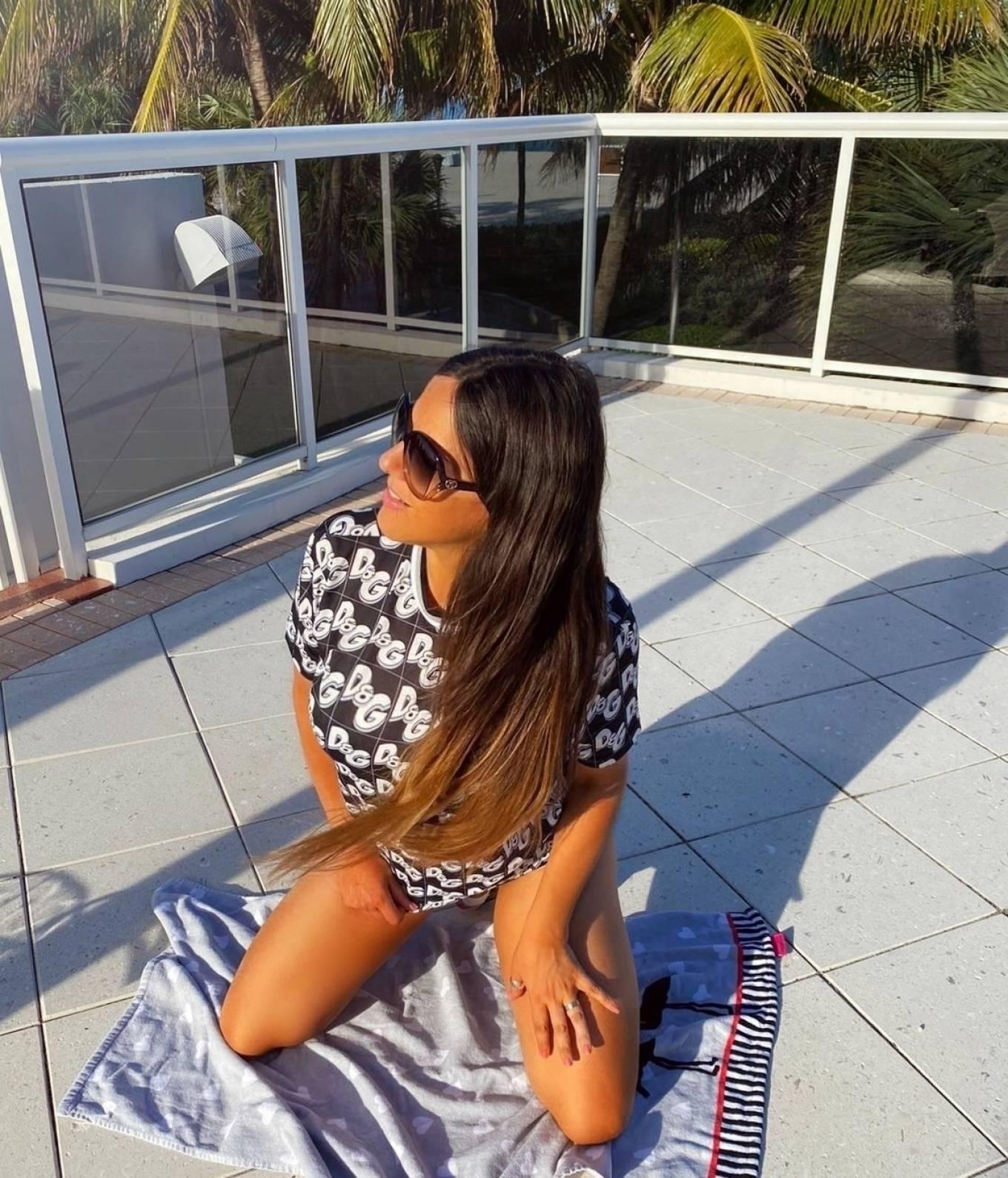 Claudia Romani 2020 : Claudia Romani in Bikini 2020-03