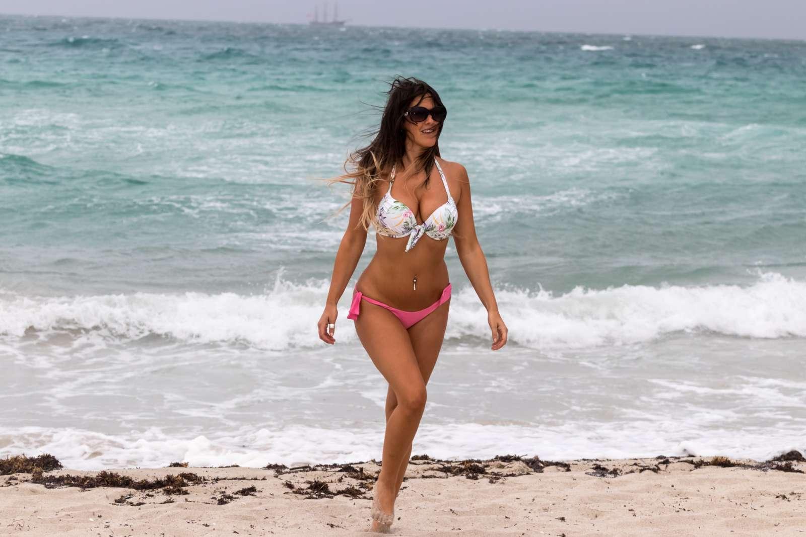 Claudia Romani 2017 : Claudia Romani in Bikini -06