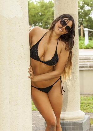Claudia Romani in Bikini on South Beach