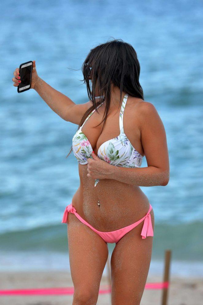 Claudia Romani in Bikini 2017 -02