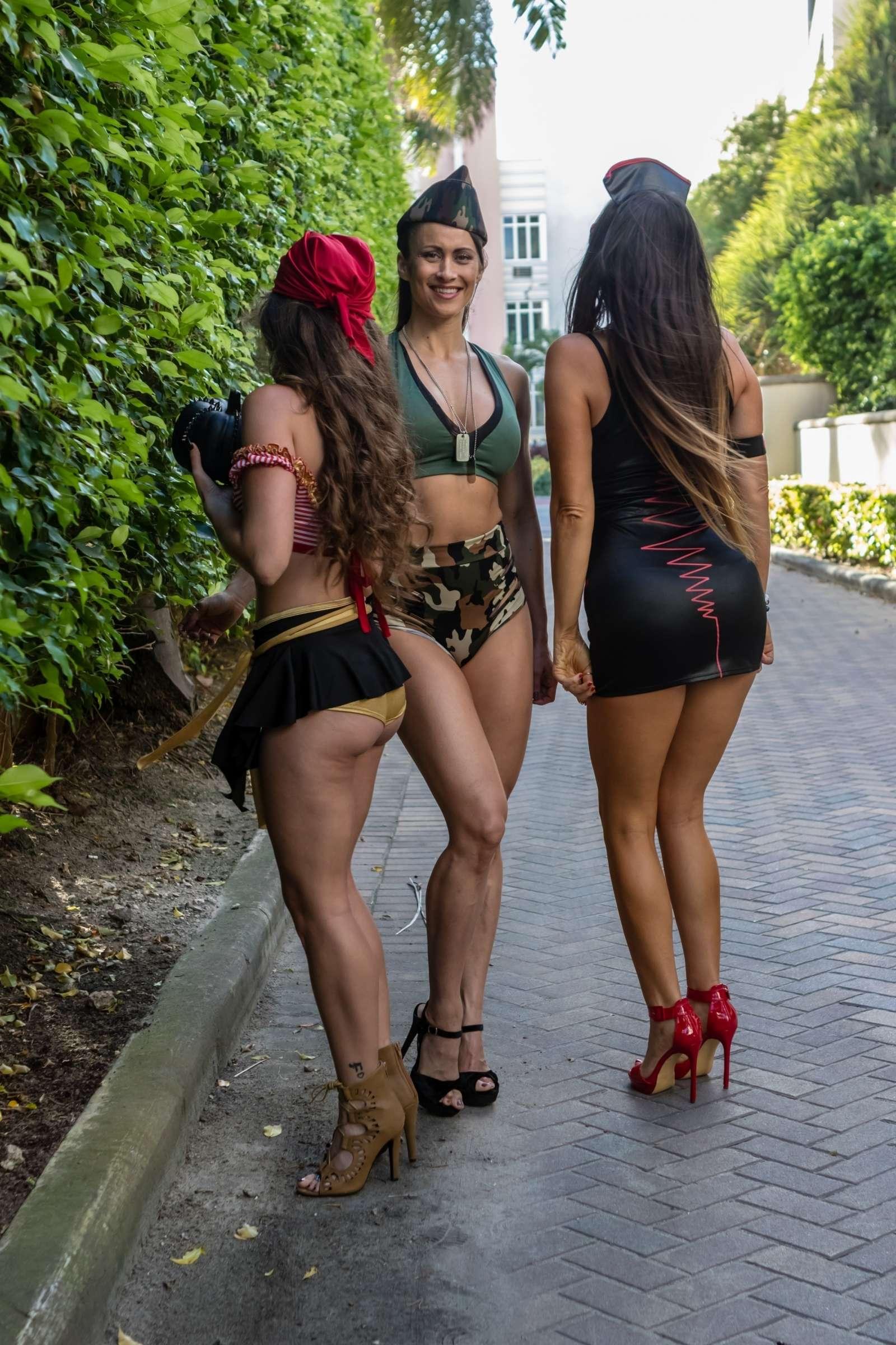 Claudia Romani 2018 : Claudia Romani Melissa Lori and Anais Zanotti: Celebrating Halloween -02