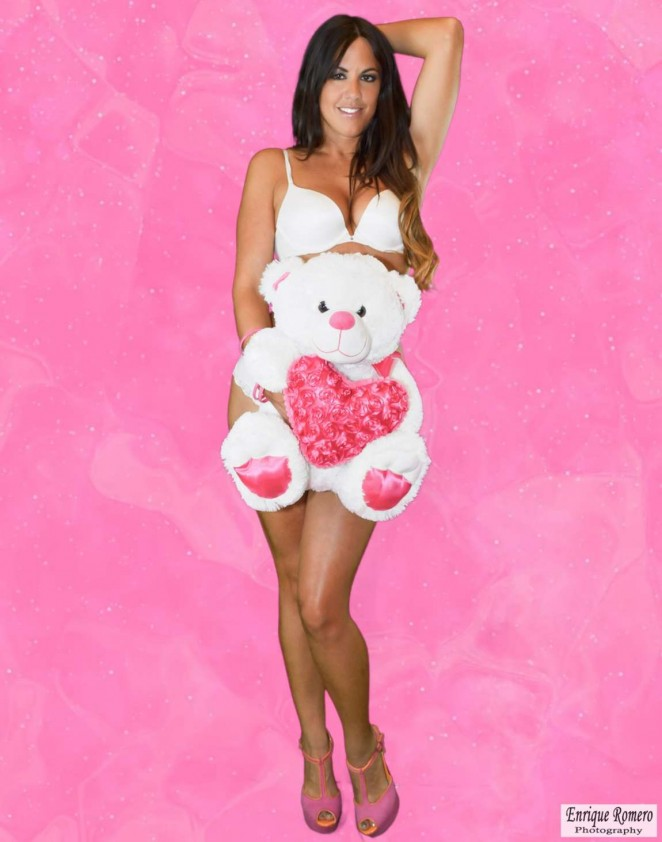 Claudia Romani Valentines Day Photoshoot 2015 01 Gotceleb