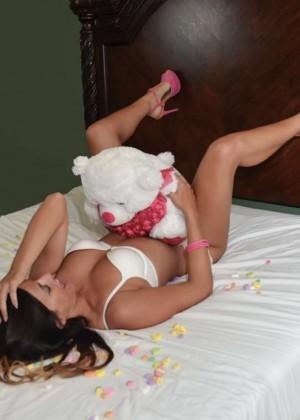 Claudia Romani: Valentines Day Photoshoot 2015 -04