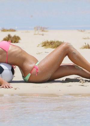 Claudia Romani Hot in Bikini -01