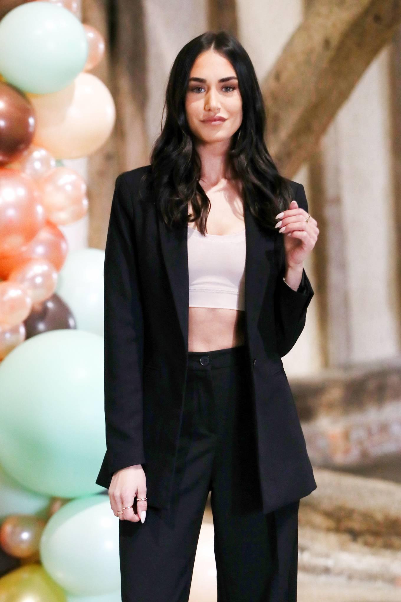 Clelia Theodorou 2021 : Clelia Theodorou – The Only Way is Essex TV Show filming in Braintree-03