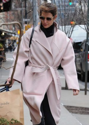 Cobie Smulders in Pinh Coat - Shopping in NYC