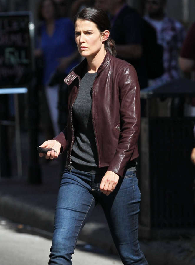Cobie Smulders - On the set of 'Jack Reacher: Never Go Back' in New Orleans