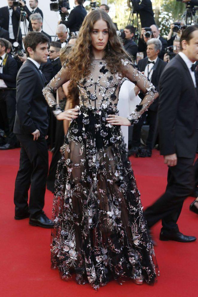 Coco Konig: Loveless premiere – 2017 Cannes film festival-02