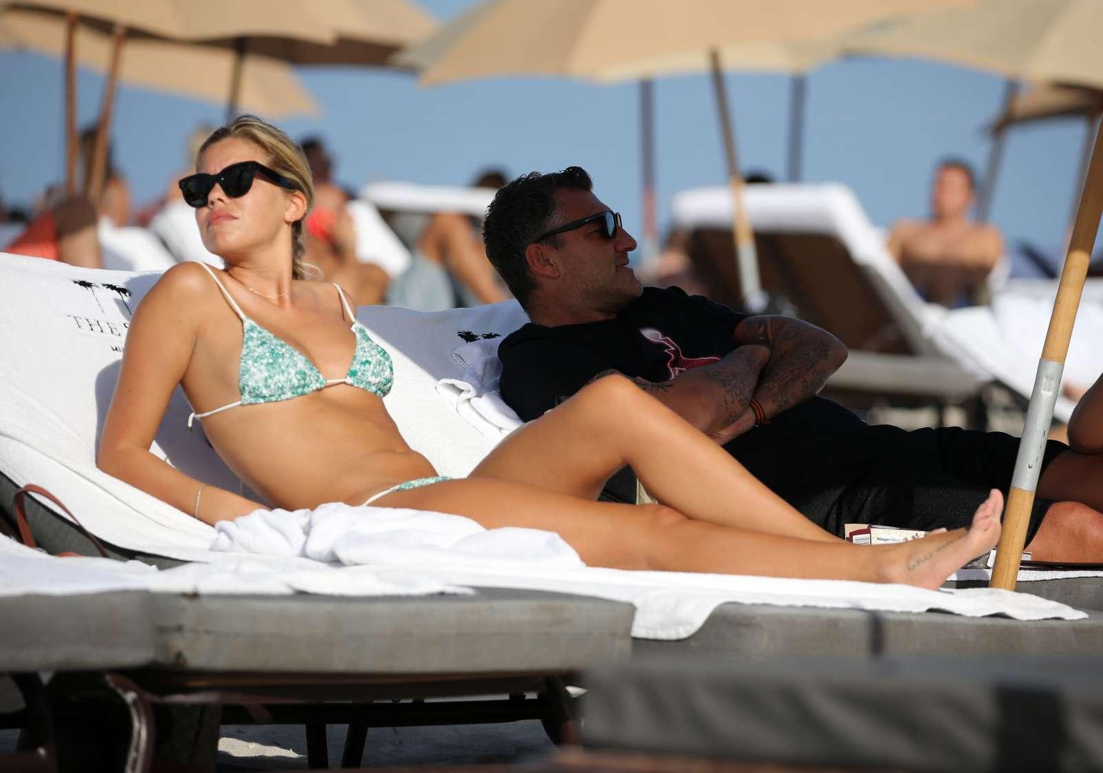 Constance Caracciolo 2017 : Constance Caracciolo in Bikini Sunbathing -07
