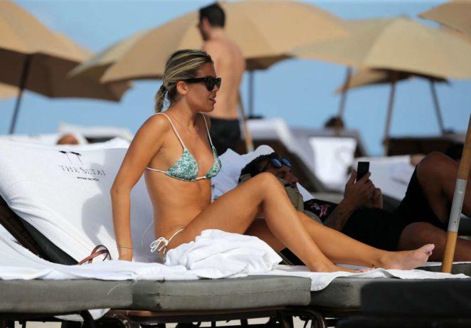 Constance Caracciolo 2017 : Constance Caracciolo in Bikini Sunbathing -17