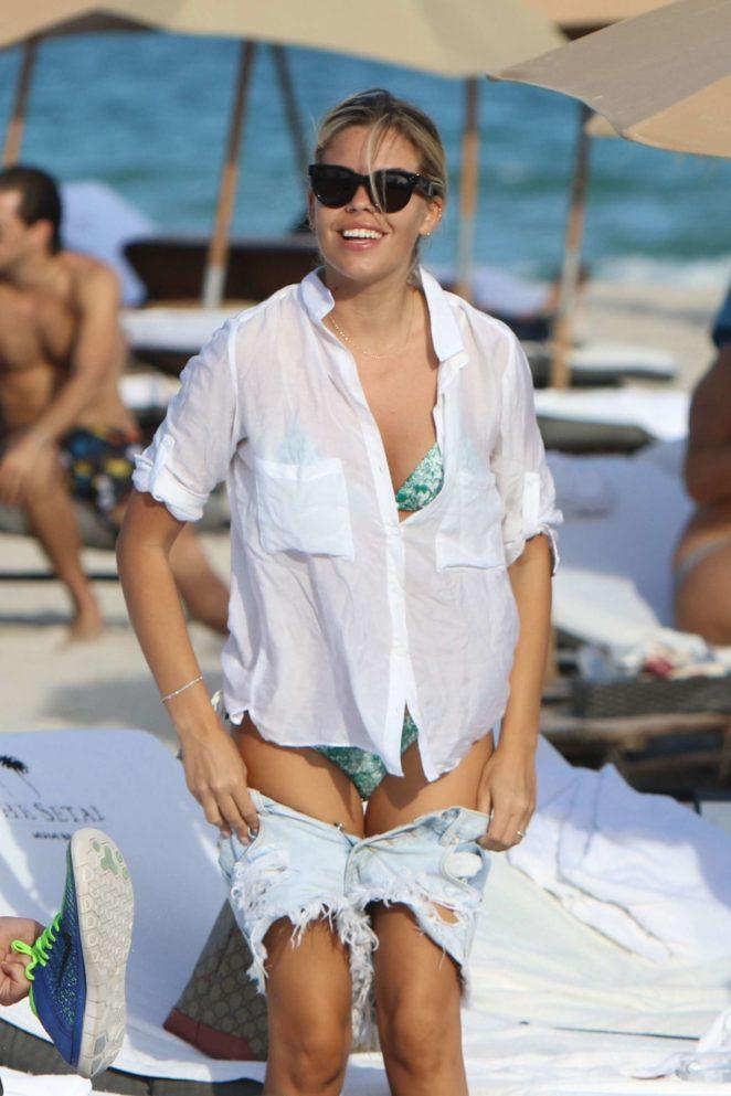 Constance Caracciolo 2017 : Constance Caracciolo in Bikini Sunbathing -23