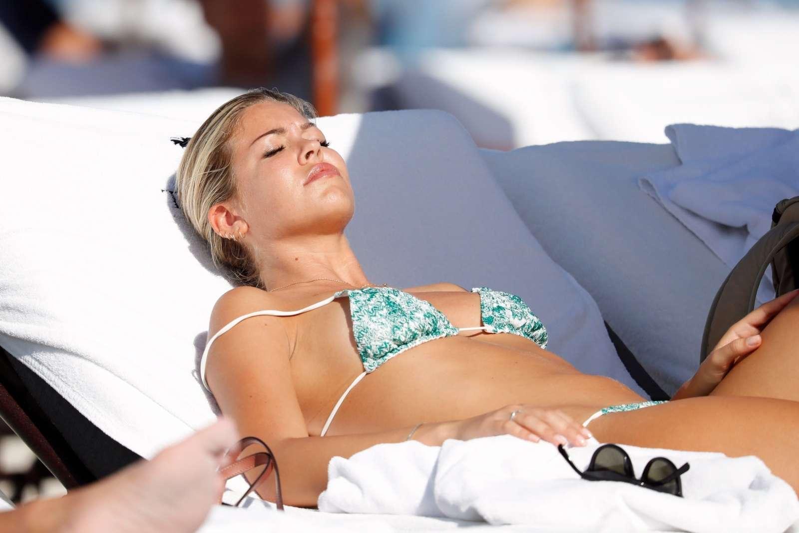 Constance Caracciolo 2017 : Constance Caracciolo in Bikini Sunbathing -24