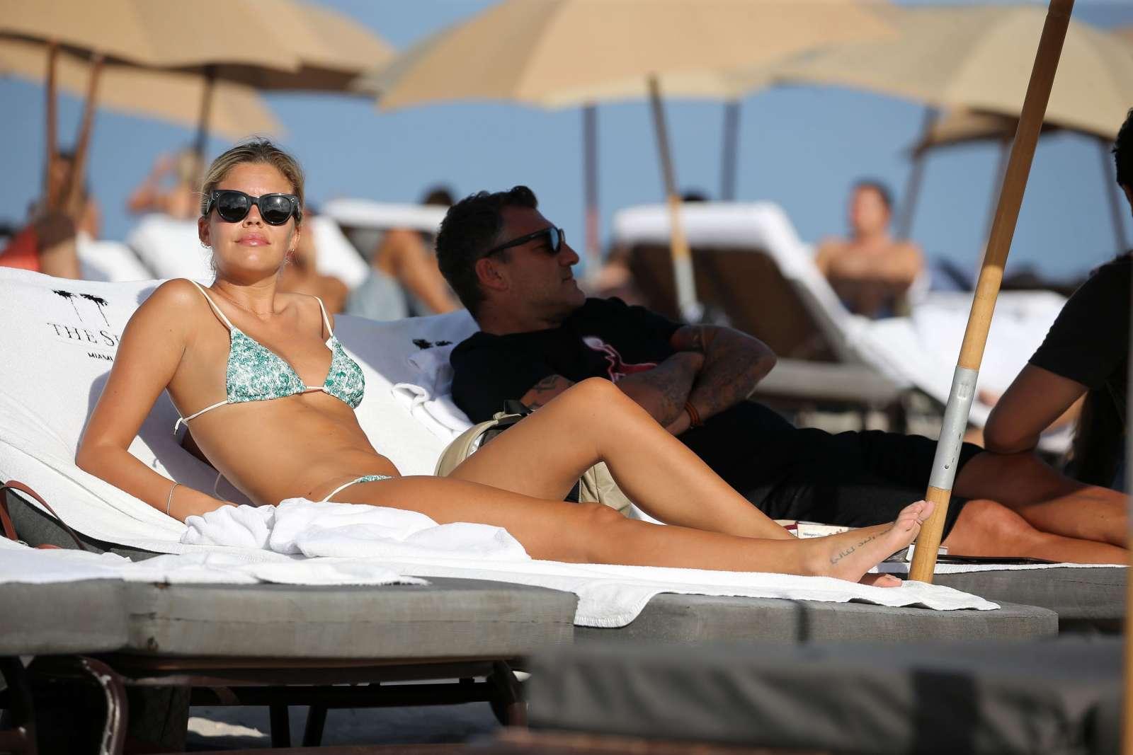 Constance Caracciolo 2017 : Constance Caracciolo in Bikini Sunbathing -29
