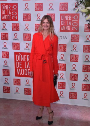 Constance Jablonski - Sidaction Gala Dinner 2016 in Paris