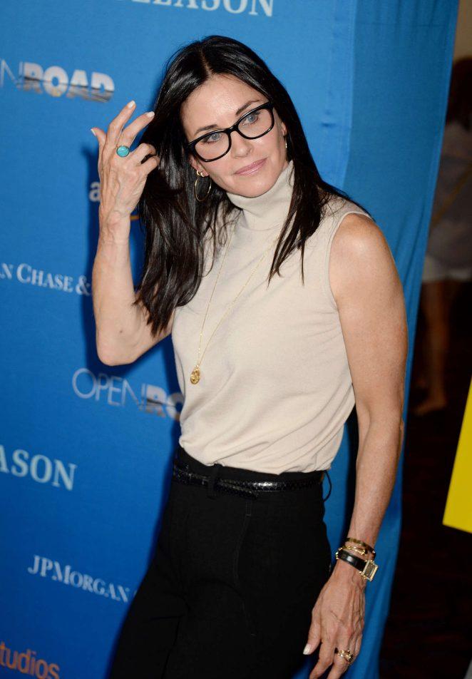 Courteney Cox – 'Gleason' Premiere in Los Angeles