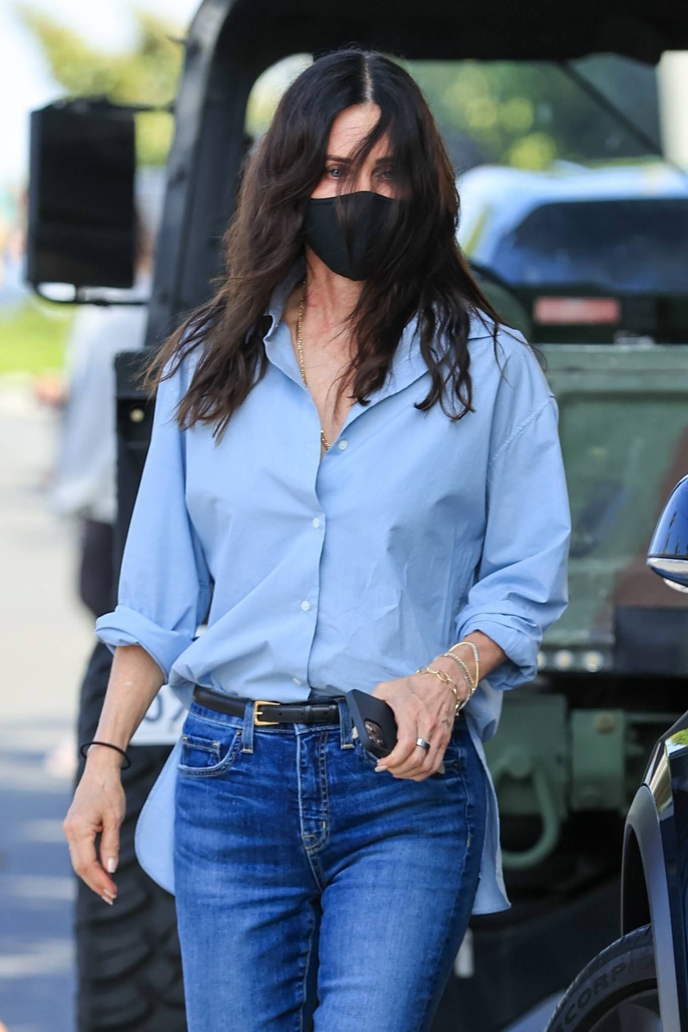 Courteney Cox - In denim while shopping on Melrose Place in West Hollywood