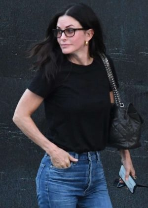 Courteney Cox - Leaving a nail salon in Beverly Hills
