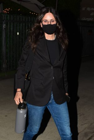 Courteney Cox - Out at dinner in Santa Monica