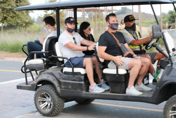 Courteney Cox - Seen on a golf cart attends the Malibu Chili Cook Off