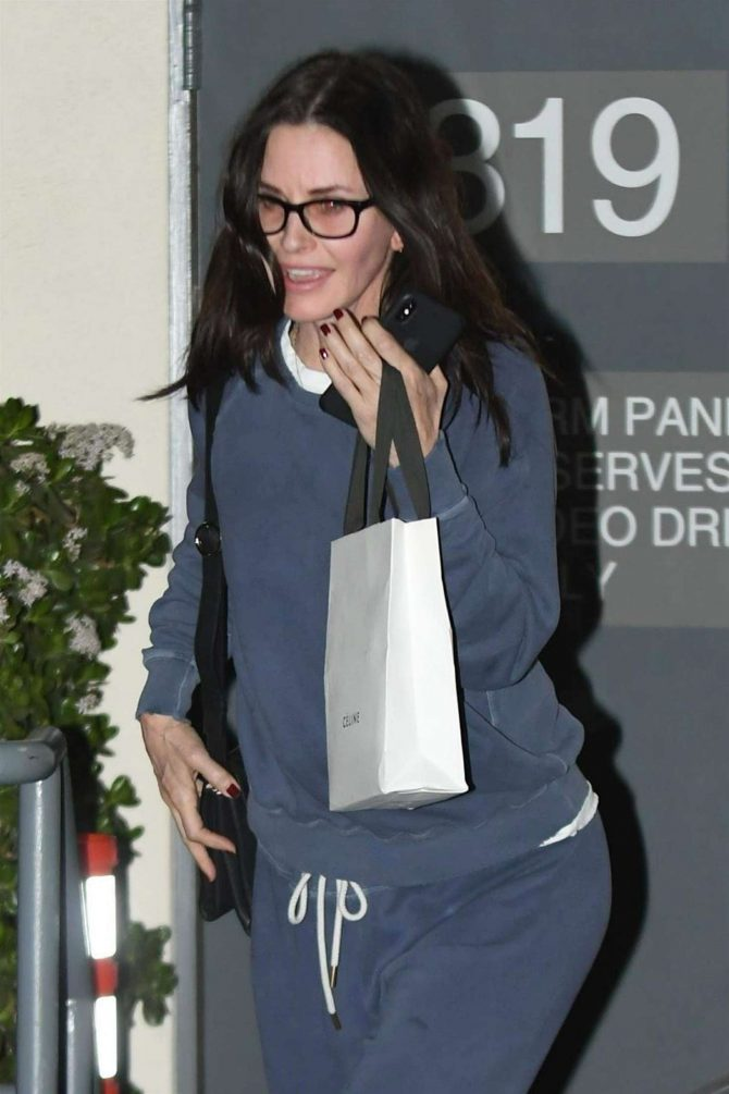 Courteney Cox - Shopping in Los Angeles