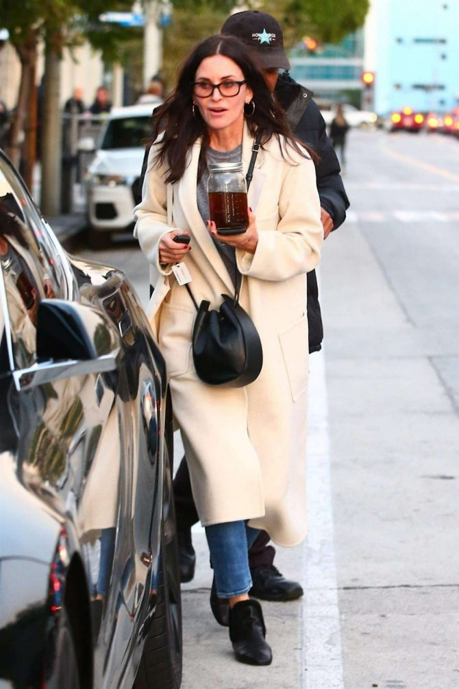 Courteney Cox - Shopping in West Hollywood