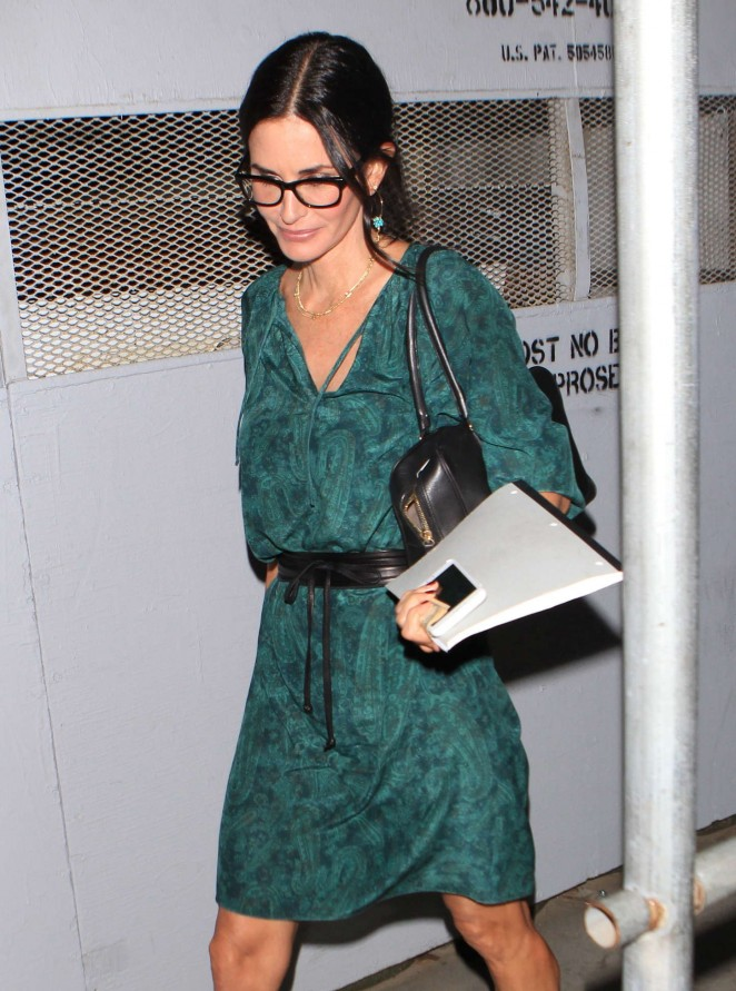 Courteney Cox – The Palms Restaurant in West Hollywood