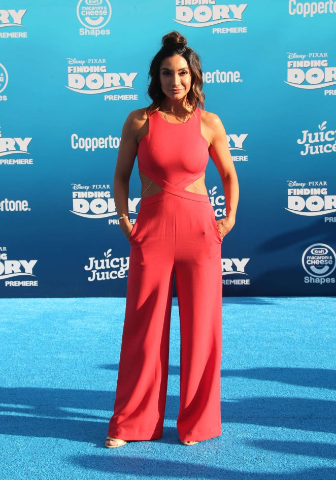 Courtney Laine Mazza - 'Finding Dory' Premiere in Hollywood