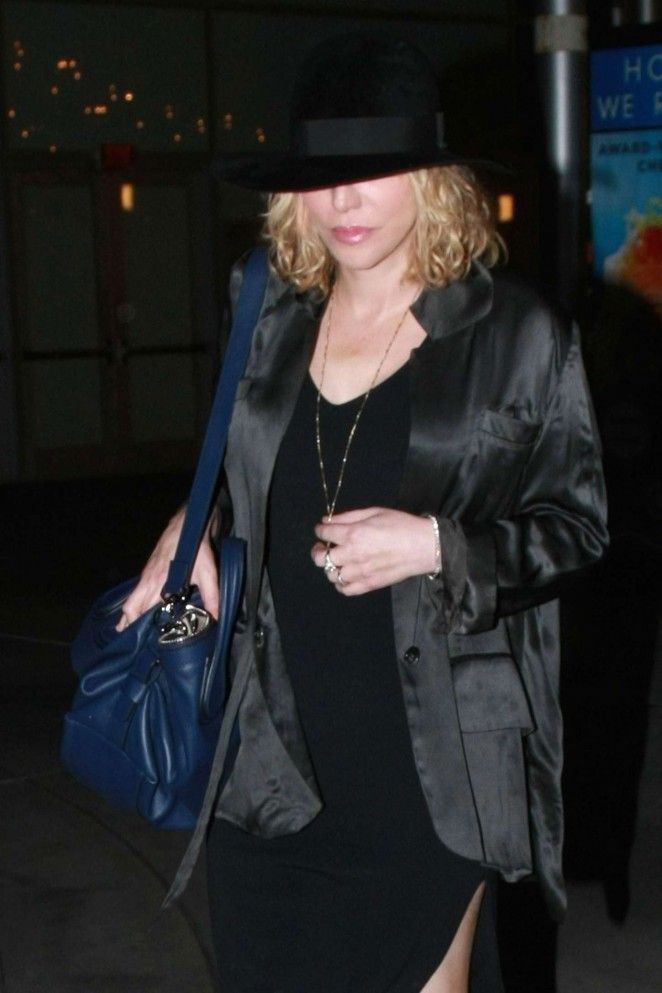 Courtney Love – Arrives at ArcLight Cinemas in Hollywood