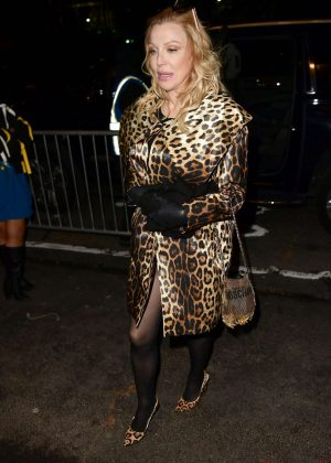 Courtney Love - Arrives at Jeremy Scott's fashion Show in New York
