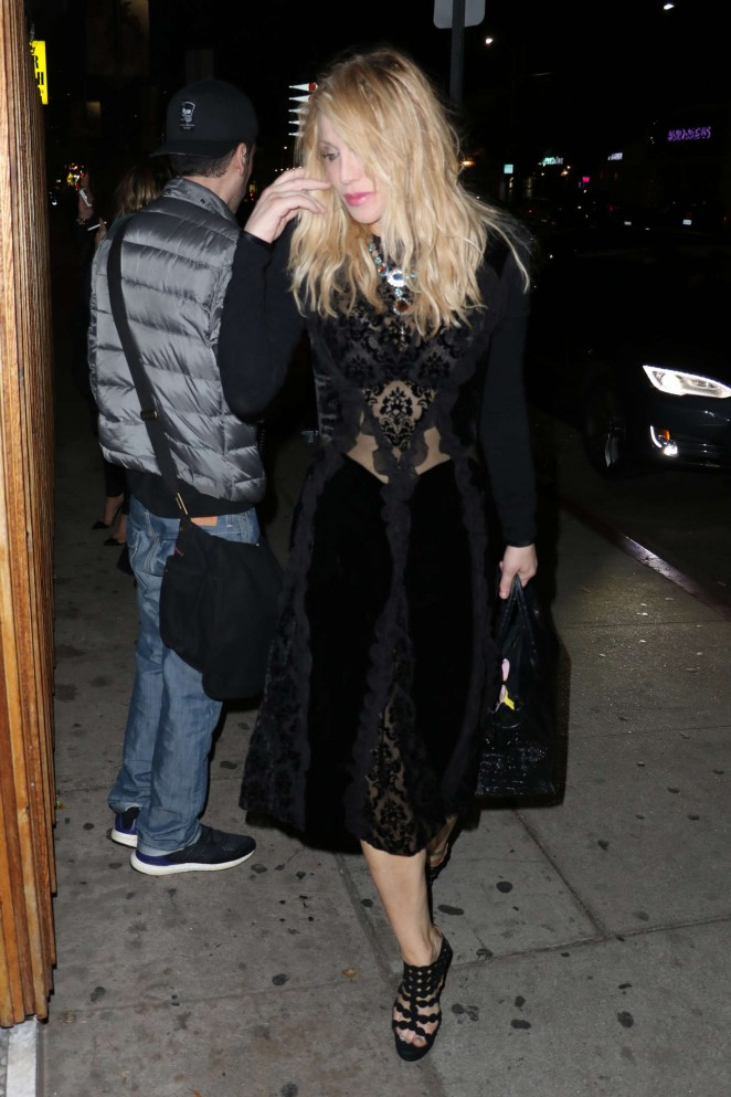 Courtney Love Arrives at The Nice Guy -02