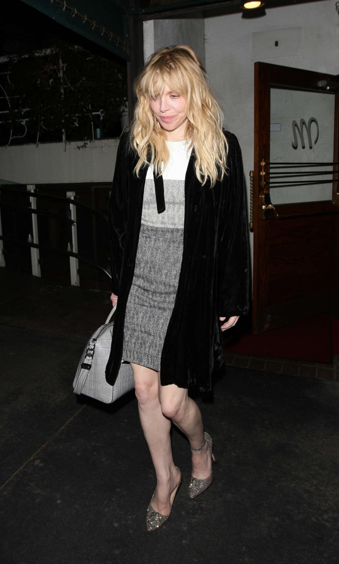 Courtney Love – Leaves Madeo Restaurant in West Hollywood