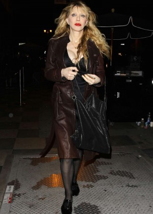 Courtney Love - Leaving the Florence and the Machine Concert in LA