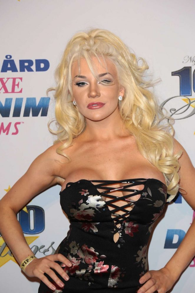 Courtney Stodden - 27th Annual Night Of 100 Stars Black Tie Dinner in LA