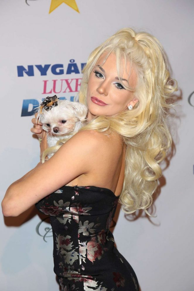 Actress Courtney Stodden arrives for the Norby Walters