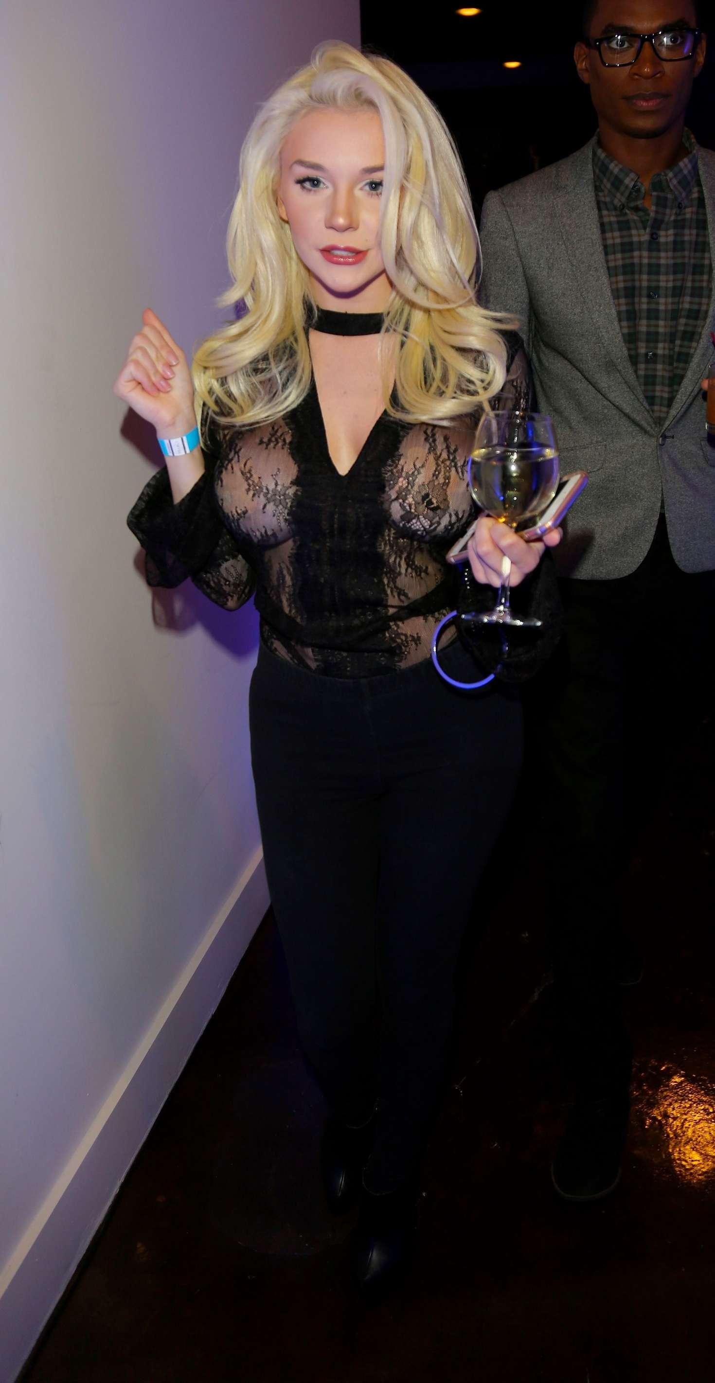Courtney Stodden 2016 : Courtney Stodden: Animal Equality 10th Anniversary Celebration Honoring Moby -09