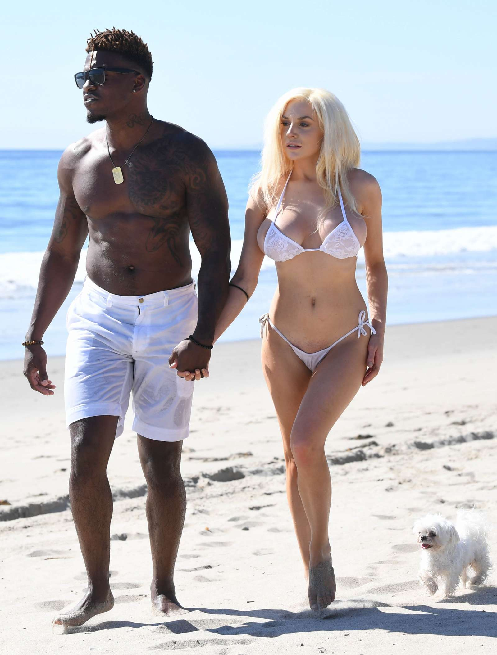 Courtney Stodden in Bikini on the beach in Malibu Pic 9 of 35