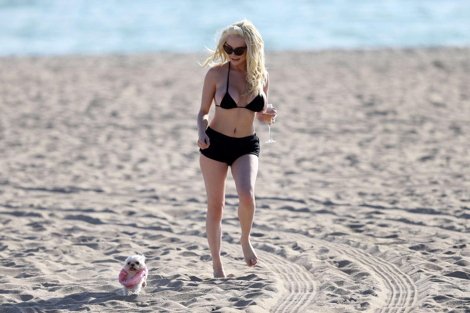 Courtney Stodden 2016 : Courtney Stodden in Black Bikini 2016 -06