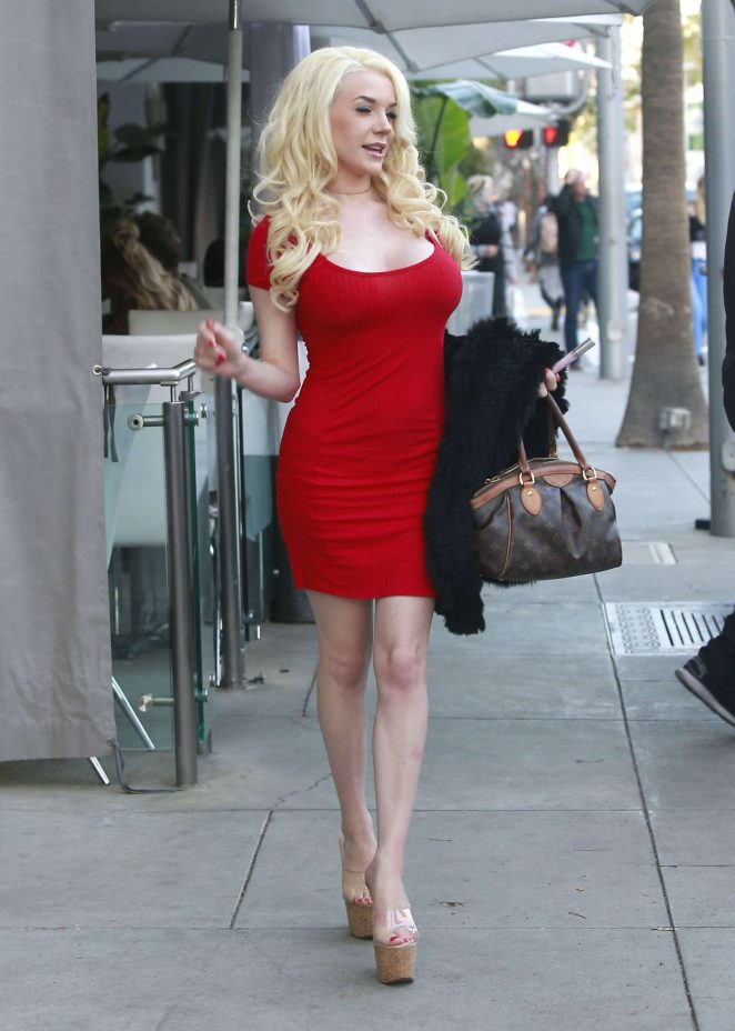 Courtney Stodden in Red Mini Dress out for lunch in Beverly Hills