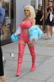 Courtney Stodden on Rodeo Drive in Beverly Hills