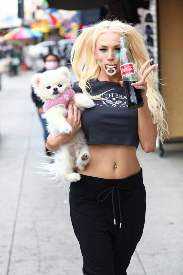 Courtney Stodden - Out and about in Los Angeles