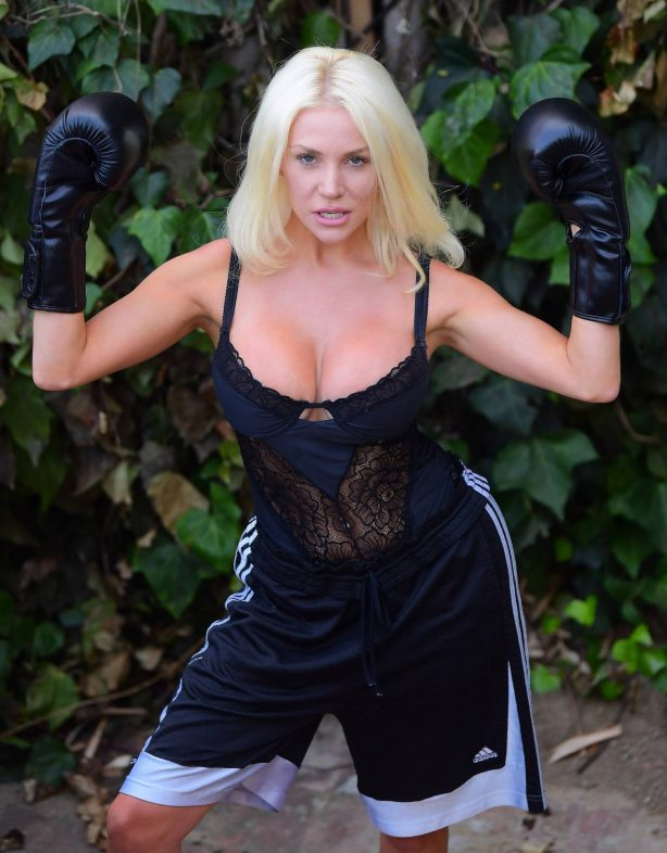Courtney Stodden - Takes shots at her ex Doug Hutchinson punching shirt in Beverly Hills