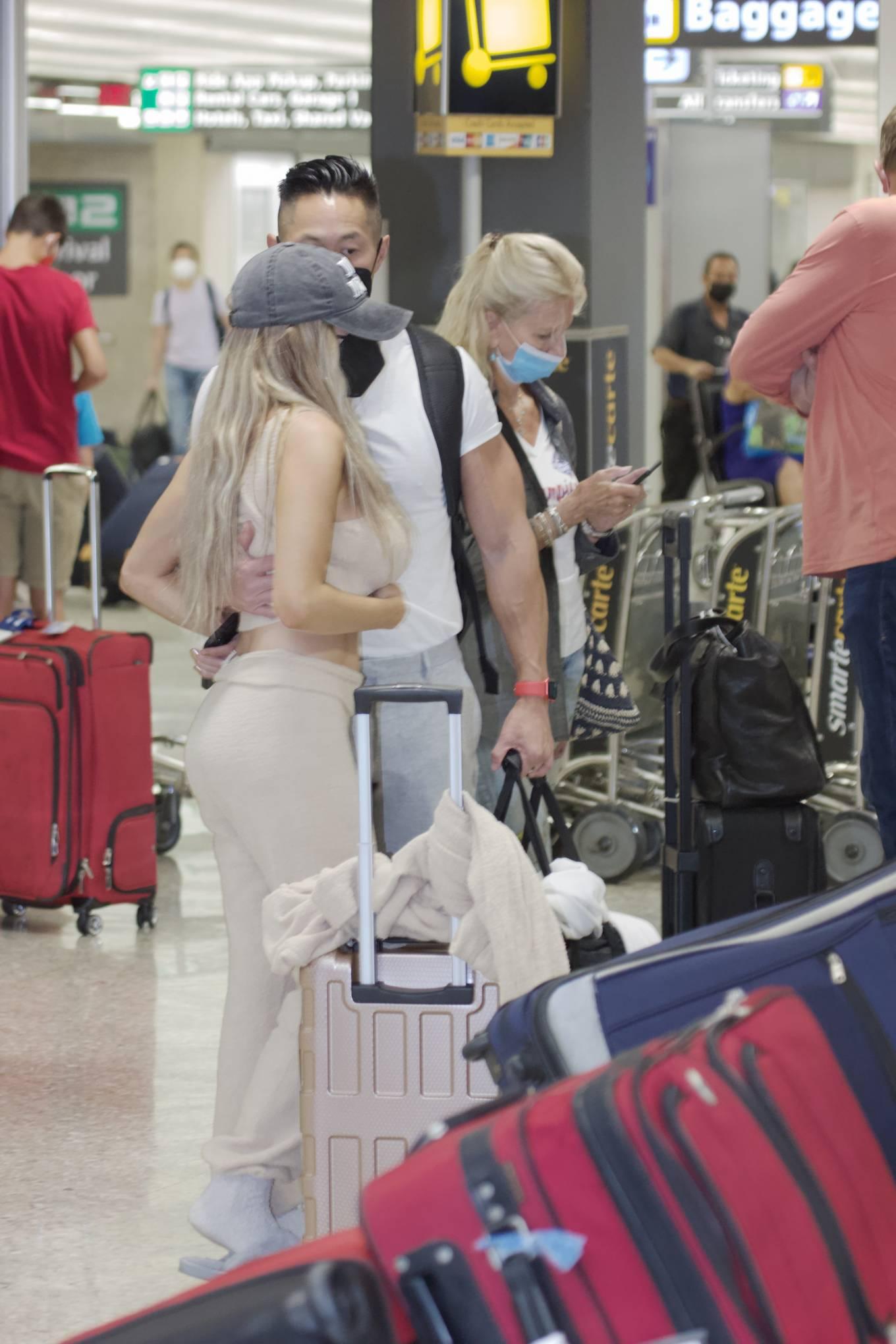 Courtney Stodden 2021 : Courtney Stodden – With Chris Sheng arrive into Washington DC -13