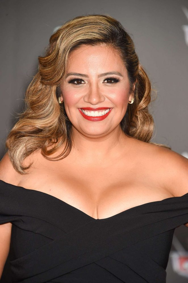 Cristela Alonzo - Bio, Facts, Latest photos and videos
