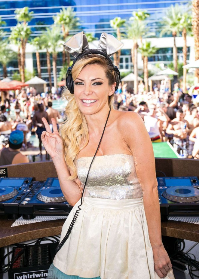 Crystal Hefner: Rehab Pool Party -01