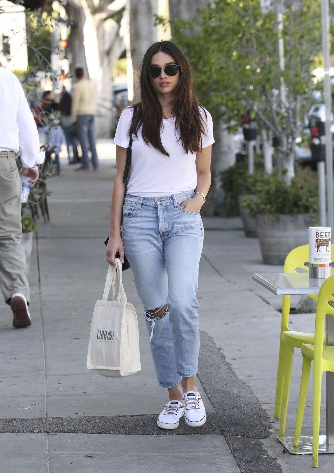 Crystal Reed in Jeans Shopping in Los Angeles