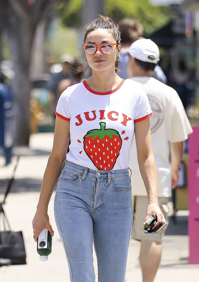 Crystal Reed in Tight Jeans out in Los Angeles