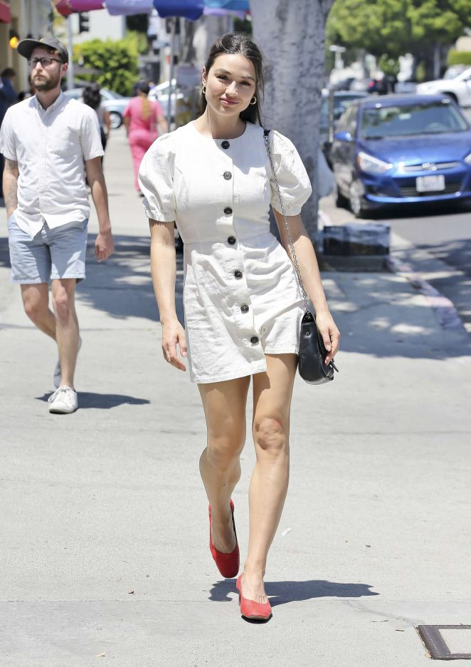 Crystal Reed – Shopping in Los Angeles