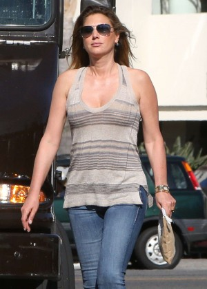 Daisy Fuentes in Tight Jeans Shopping in LA